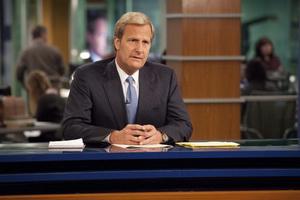 جف دانیلز در نمایی از سریال اتاق خبر